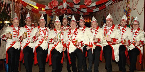 Der Gastgeber gab sich die Ehre - die Herren der Mondorfer Ehrengarde