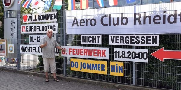Seit 1971 wohnt Helmut Höller an der Hauptstraße in Mondorf und seit 1996 gibt er hier bekannt, was für ihn wichtig ist