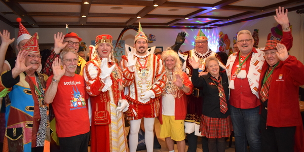 Ein strahlendes Trifolium besucht die Freie Sportgemeinschaft Rheidt auf ihrem Karnevalistischen Abend