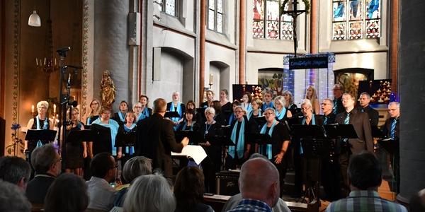 Die Candlelight Singers geben ein Konzert in der Kirche St. Jakobus in Lülsdorf