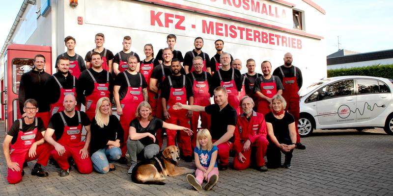 Das gesamte Team des KFZ-Meisterbetriebs ist stolz auf Auszeichnung und Benotung