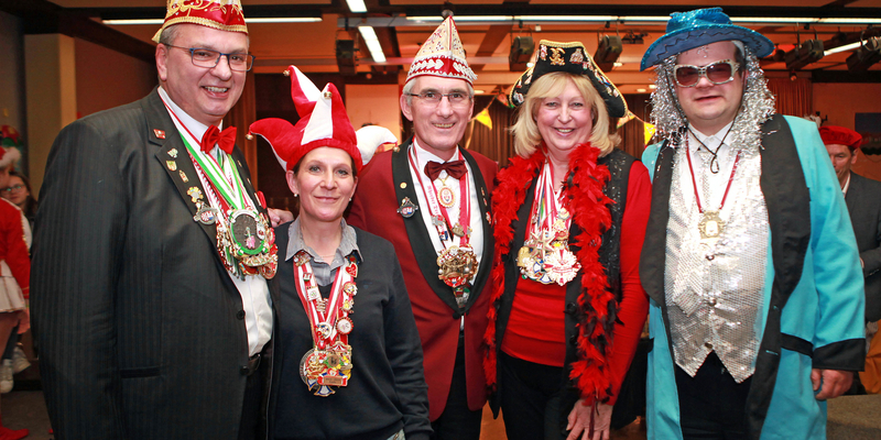 Trio mit zwei Damen (v.l.) BM S. Vehreschild, B. Bayer-Helms, der 1. Beigeordnete Helmut Esch, H. Seemayer und der Beigeordnete Dr. Sebastian Sanders