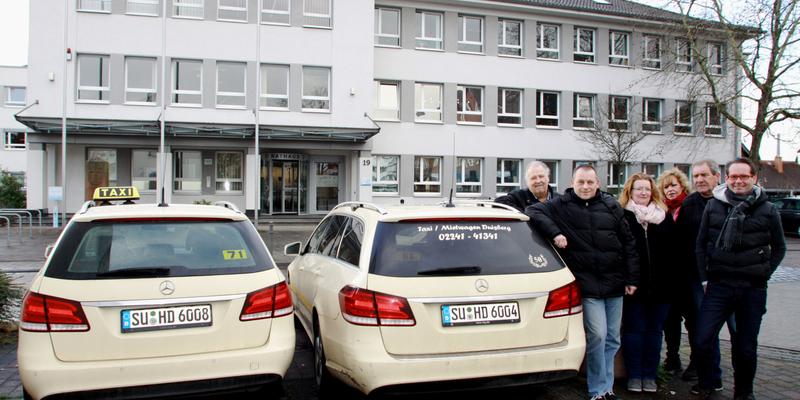 Bernhard Lichtenberg (rechts) mit einigen seiner Mitarbeiterinnen und Mitarbeiter