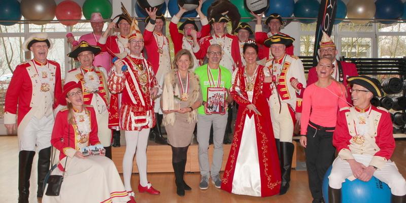 Herbert Weilguni, Gabriele Krude-Neumann und Studioleiterin Tanja freuten sich über den Besuch der närrischen Abordnung aus Ranzel