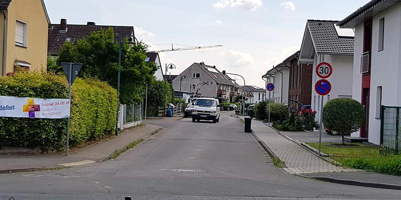 Das abschnittsweise geltende absolute Halteverbot auf der Weidenstraße führte zur Verkehrsberuhigung