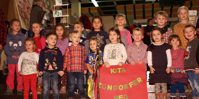Eröffnet wurde die Veranstaltung von den Kids der Kita Zündorfer Weg