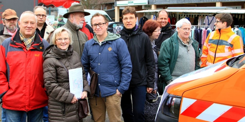 Viele Diskussionen wurden am Infomobil von Straßen.NRW geführt