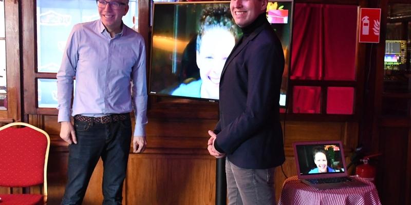 Dirk Vossberg-Vanmarcke (li.) und Knut Vanmarcke interviewten die Damen, die ab 06.03.2019 ihren Einzug in Malentes Theaterpalast halten
