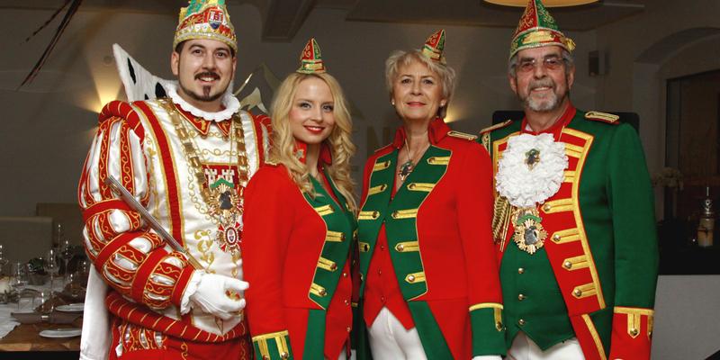 Prinz Andreas I., Ehefrau Sandra sowie Brigitte und Wolfgang Hopp (von links nach rechts)