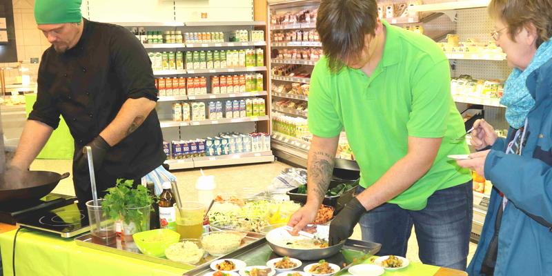 Bei Sascha und Max gab es frisch zubereitete Highlights der asiatischen Küche aus dem Wok