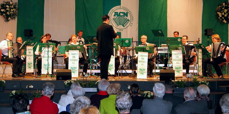 Ein abwechslungsreiches Jahreskonzert gab der Akkordeon Club Niederkassel
