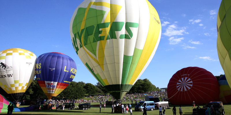 Startvorbereitungen für die Ballonfahrten