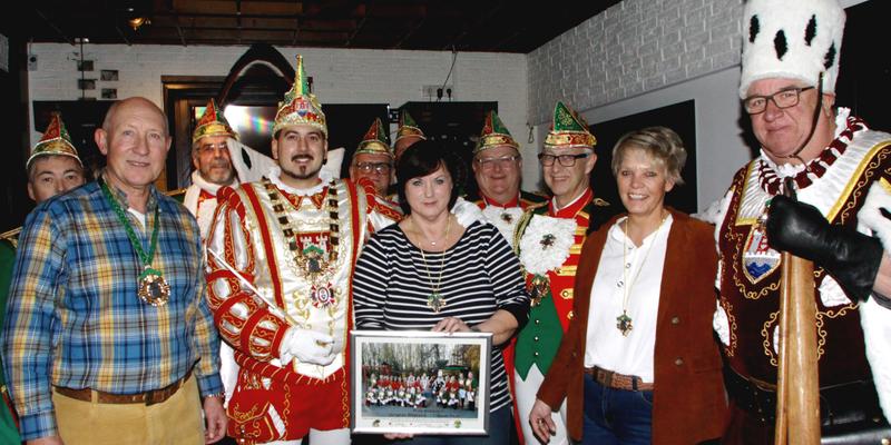 Klaus Hartfeld, Prinz Andreas I., Ute Hartfeld, Britta Valerius und Bauer Hajo (von links nach rechts)